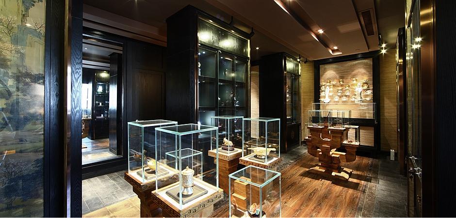 更好的展现了传统建筑文化元素,展厅的重点是展品,设计很好的掌握了这
